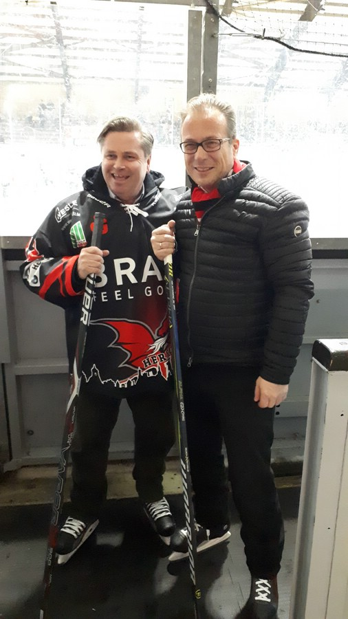 links Tim Kähler (Bürgermeister Stadt Herford), rechts Reiner Breuer (Bürgermeister Stadt Neuss)